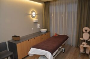 massage-room-large